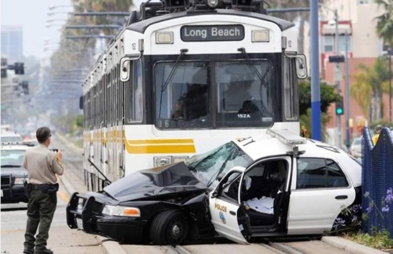 Trouble - City bus t-bones police car
